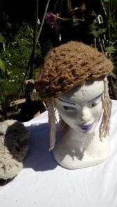 Bonnet laine d'alpaga naturelle, tricotée au crochet, filée main