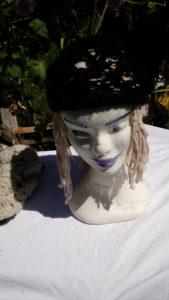 Autre bonnet noir, alpaga naturel, filé main, crochet