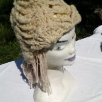 bonnet blanc, mouton, filé main, crochet