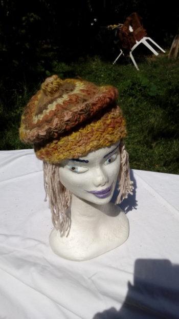 Béret, mouton mérinos, teinture naturelle, filé main, crochet