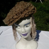 Béret marron, teinture naturelle, mouton, crochet