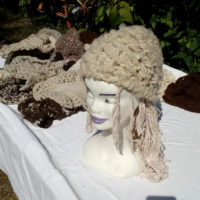 Bonnet blanc, mouton, naturel, crochet