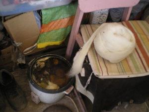 Cuiseur de riz dont l'usage à été détourné de sa vocation première