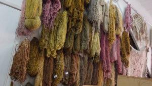 Un petit échantillon de teintures sur laine pour vous donner des raisons d'essayer