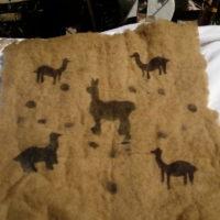 Pochoirs Llamas sur feutre teint à l'eucalyptus 28 Euros