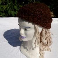 Bonnet, alapga, soie, marron naturel, soie teinte au champignon d'eucalyptus, filé main, crochet