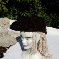 Bonnet, marron foncé, naturel, crochet